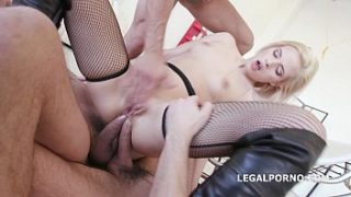 Tiny Ria Sunn 4on1 Gangbang with DP、double anal、4 swallows、彼女はそれが大好きです!